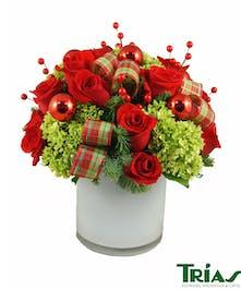 Red Roses & Green Hydrangeas